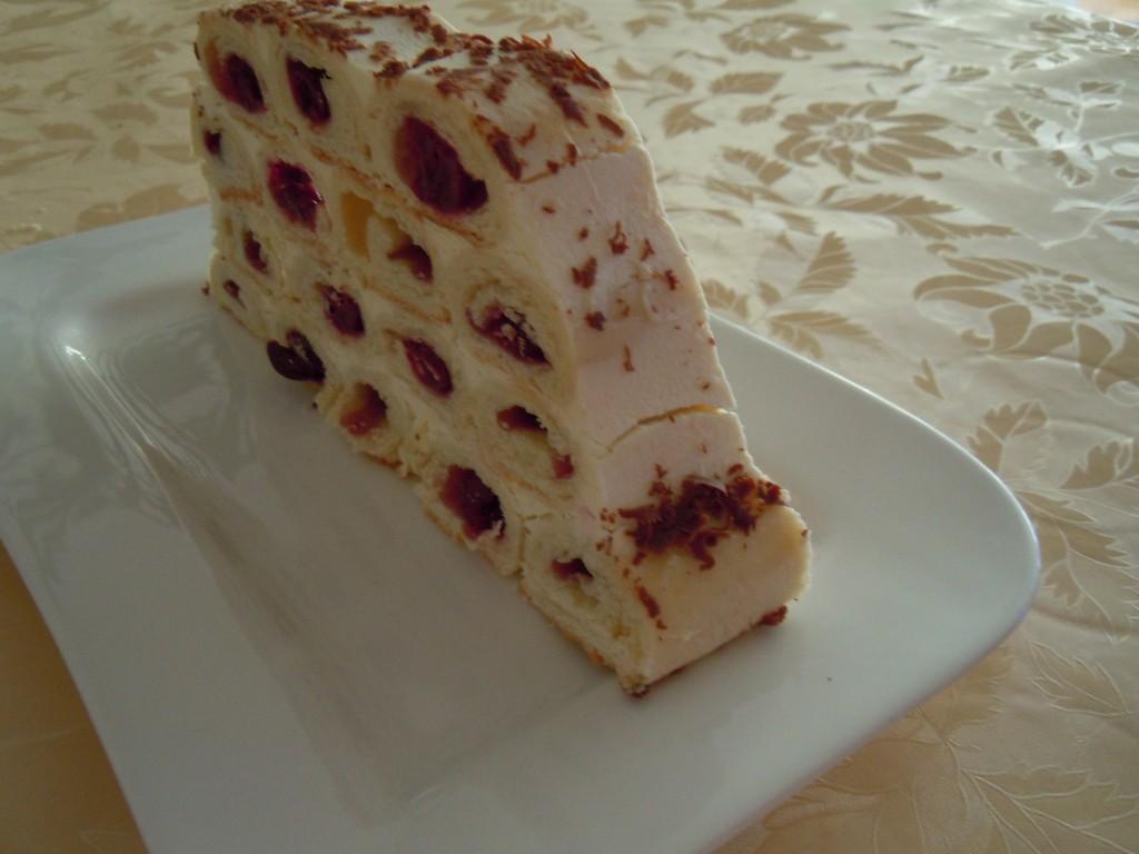 Kirschröllchen-Torte-17